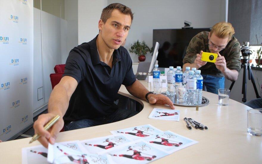 """D. Zubrus pakviestas į NHL """"Blues"""" klubo peržiūrą"""