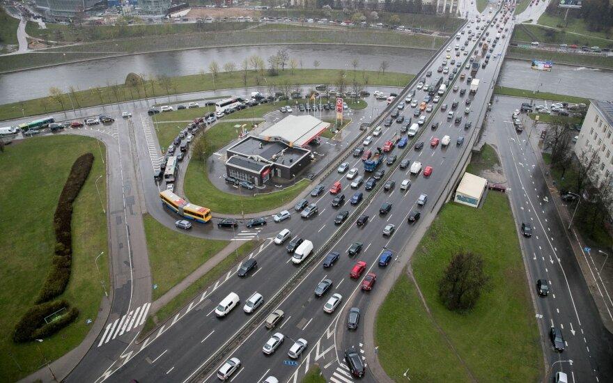 Skvernelis: taršių automobilių mokestis – jau kitąmet