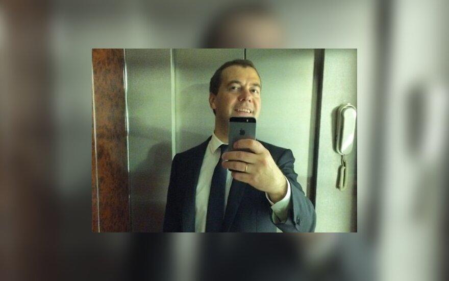 D. Medvedevas paskelbė pirmąją asmenukę