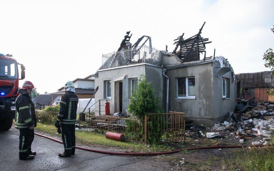 Naktį Lentvarį sudrebino sprogimas: žuvo žmogus