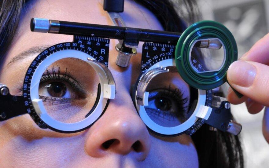 Liga, grasinanti aklumu: suskubkite pasitikrinti