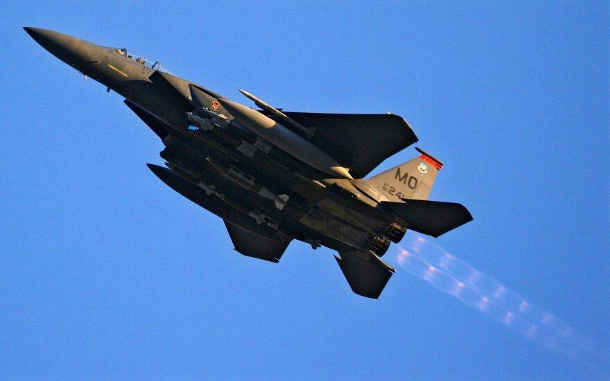 F-15 fighter jet