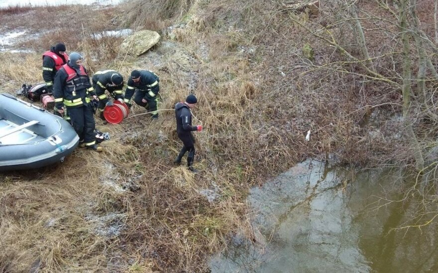 Kelis mėnesius be žinios dingęs jaunas vyras rastas įšalęs Dotnuvėlės upėje
