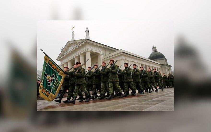 Pradedama įgyvendinti ne karininkų karinių laipsnių reforma