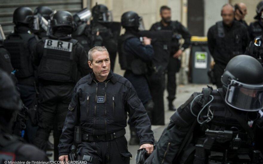 Prancūzijos policija vėl mėgina išvaikyti antikapitalistus iš protestų stovyklos