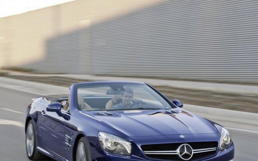 Europoje sekasi tik prestižinių automobilių gamintojams