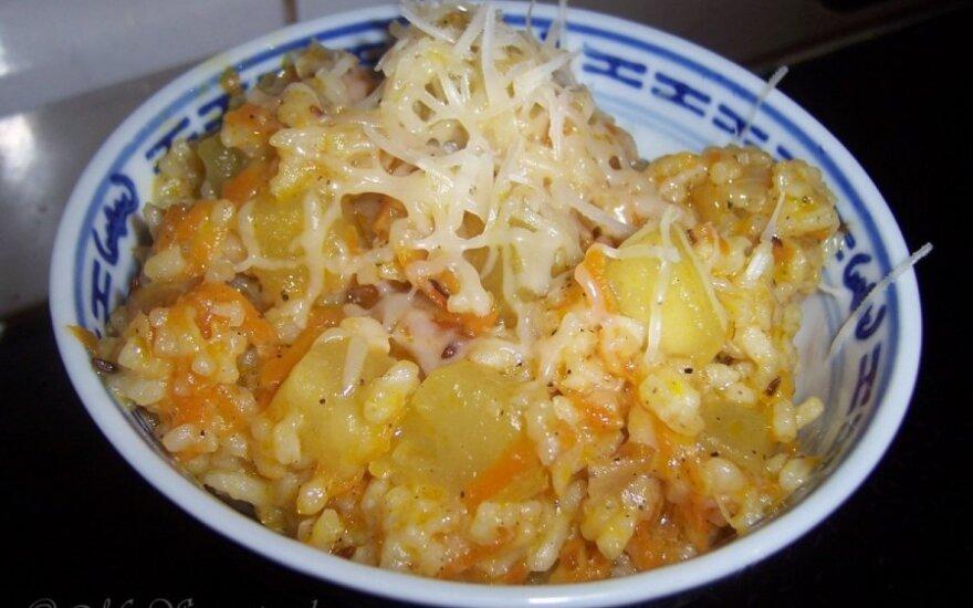 Cukinijų salotos su ryžiais