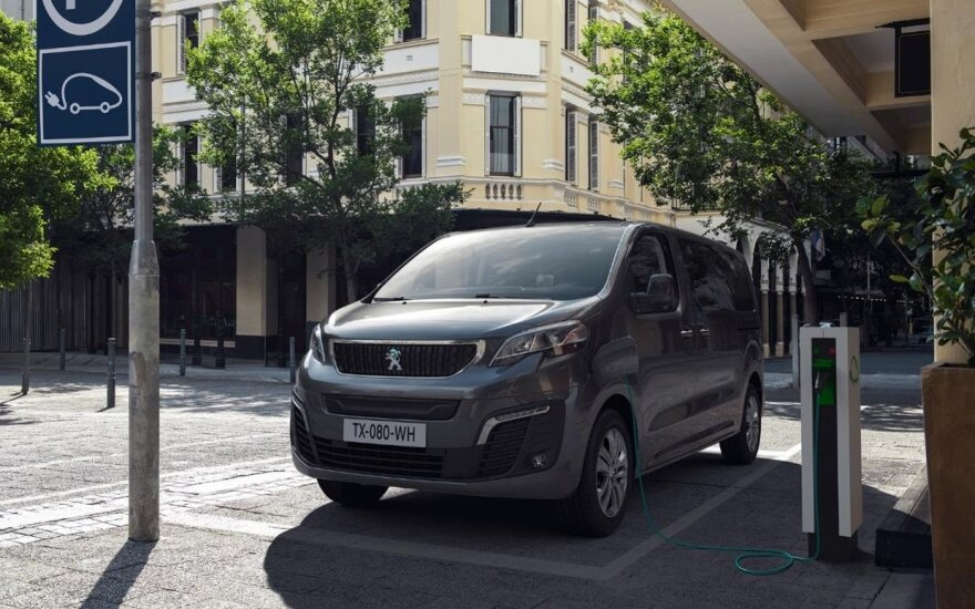 """""""Peugeot e-Traveller"""""""