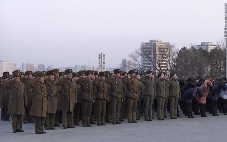 Tyla Šiaurės Korėjoje buvo apgaulinga: tuo, kas vyko, įsitikino tik pamatę tiesioginę transliaciją