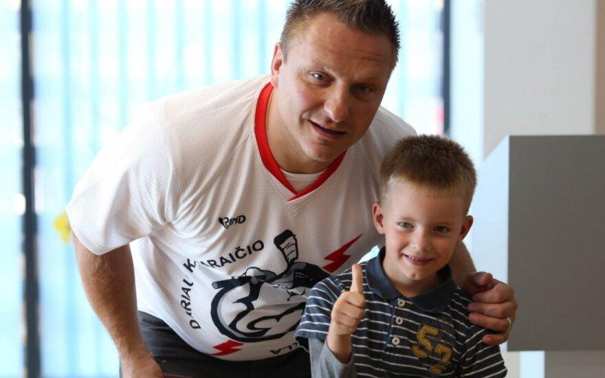 Darius Kasparaitis Lietuvoje įsteigė ledo ritulio mokyklą