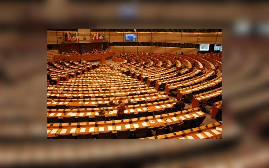 EP taupydamas nenori įsileisti naujų 18 narių stebėtojų teisėmis