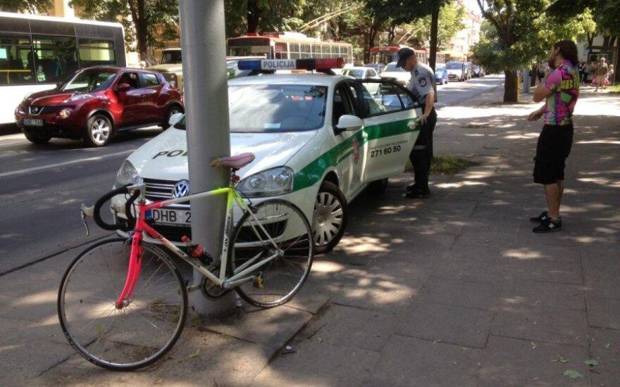 Vilniuje dviratininko partrenktas vyras prarado sąmonę