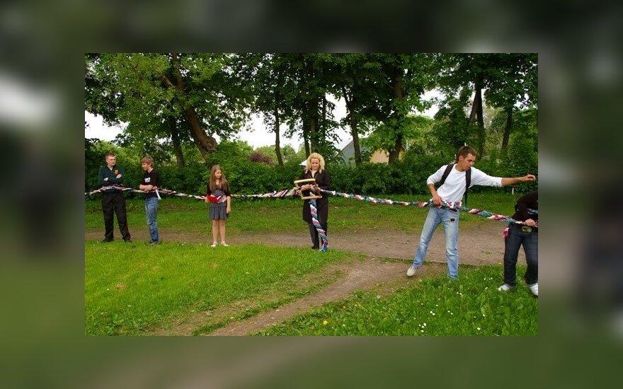 Dzūkai turi ilgiausią diržą Lietuvoje