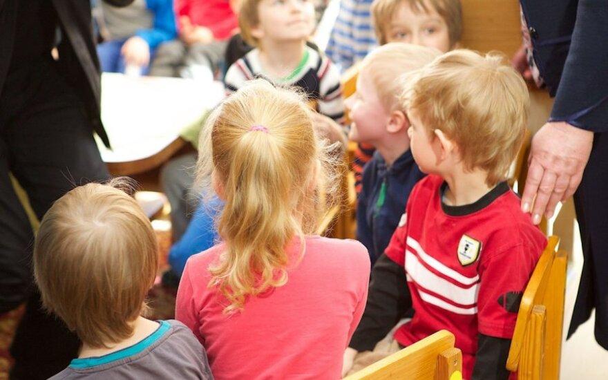 Šiauliai seka Vilniaus pėdomis: po 70 eurų vaikams iš privačių darželių