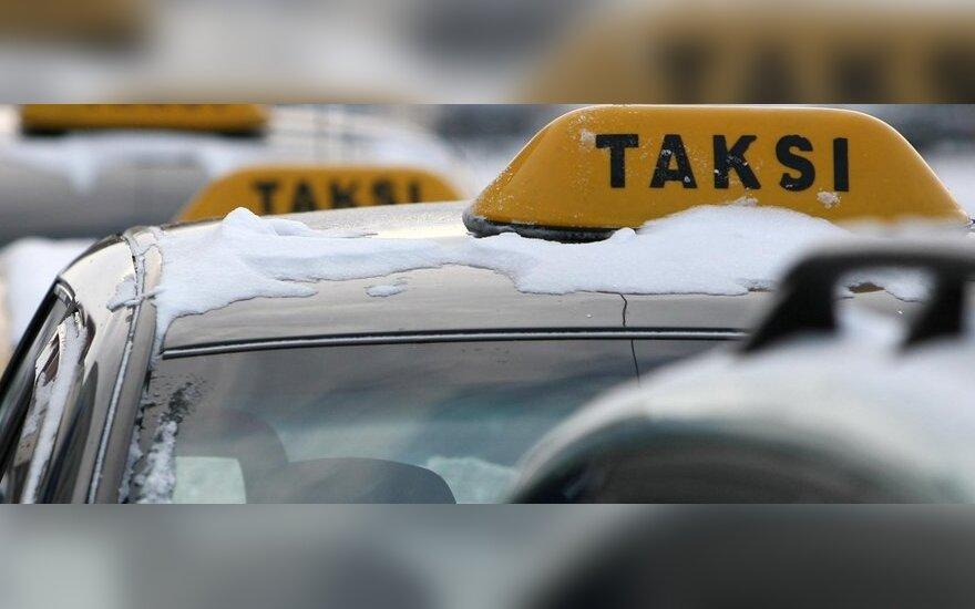 Sostinės galvosopis – taksistai nelegalai