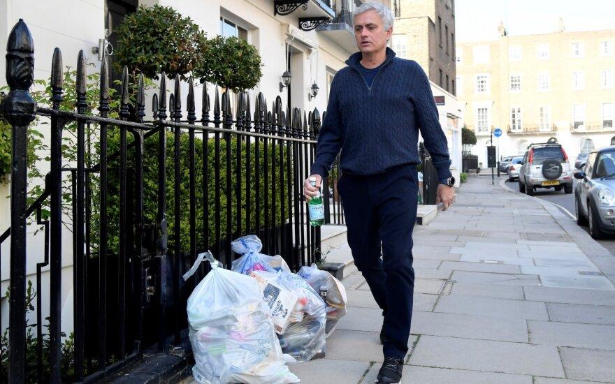 Ypatingi Ypatingojo pinigai: Mourinho iš išeitinių susižerta suma viršys 100 mln. eurų