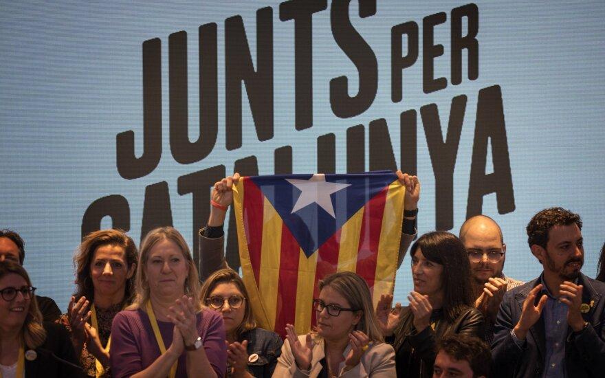 Tęsiantis ginčui dėl Katalonijos suspenduoti Ispanijos europarlamentarai