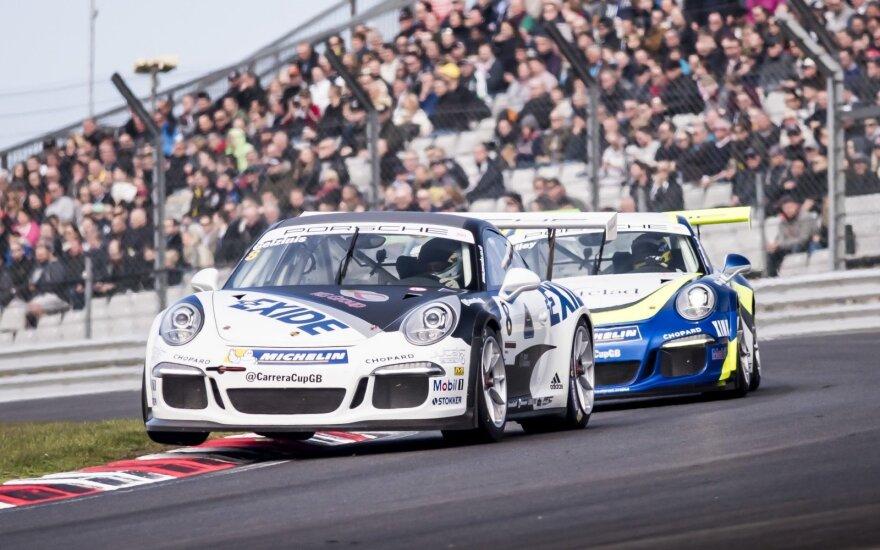 """J. Gelžinį pirmame """"Carrera Cup"""" etape lydėjo permaininga sėkmė"""