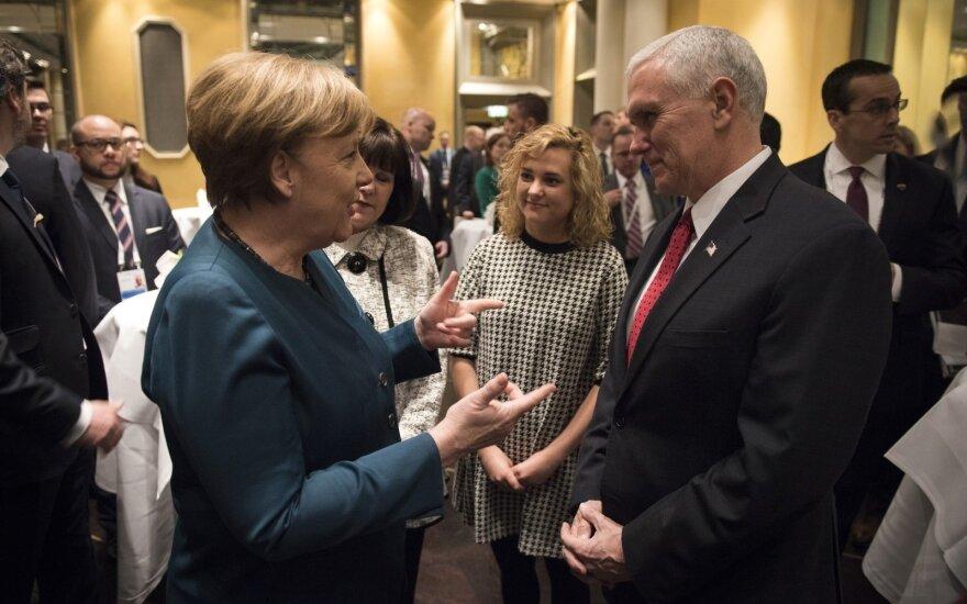 Angela Merkel, Mike'as Pence'as