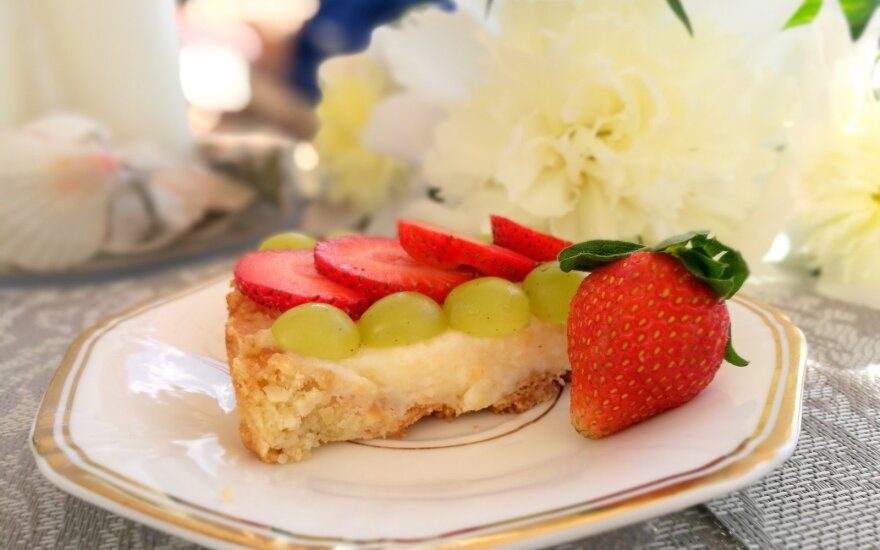 Dieviška vanile ir riešutais kvepianti vasariška tartaletė