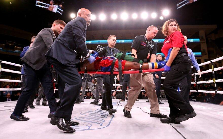 Nelaimė ringe: smūgių seriją praleidęs boksininkas – komos būklės