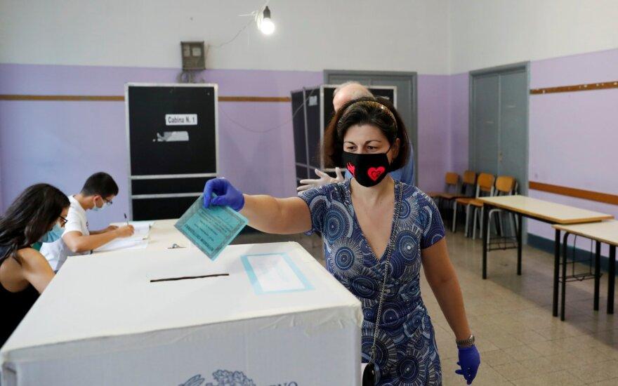 Italijoje prasidėjo konstitucinis referendumas