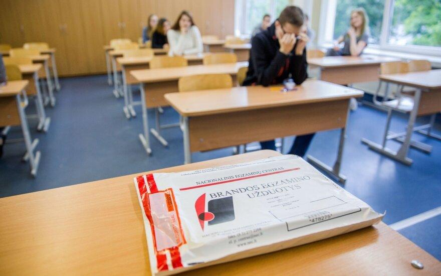 Esu įsiutintas brandos egzaminų vertinimu – privalome rengti peticiją