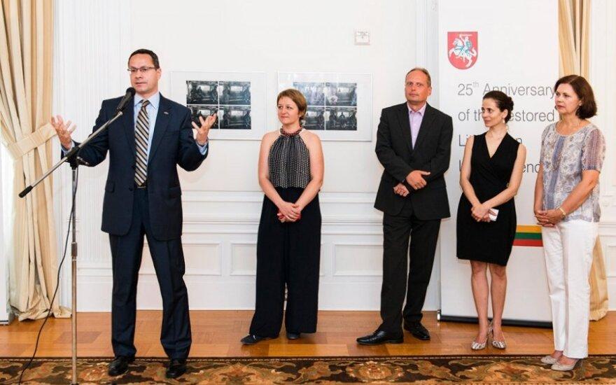FLTR Ambassador Pavilionis, his wife Lina, Artūras Vazbys, Liana Vazbienė and Vida Vasiliauskaitė. Photo Ludo Segers