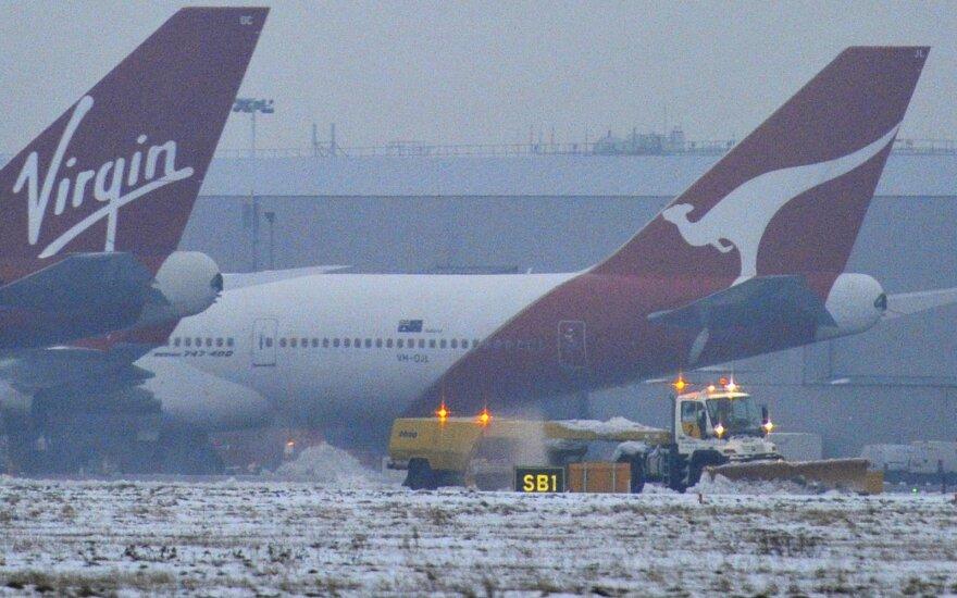 """Oro linijos """"Virgin Australia"""" uždaro pigių skrydžių padalinį, atleidžia 3 000 darbuotojų"""