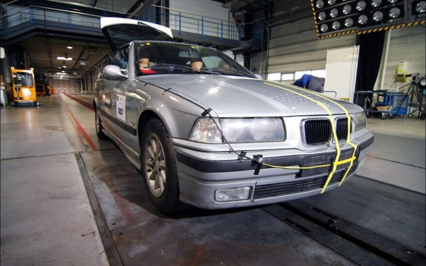 BMW prieš sudaužymą