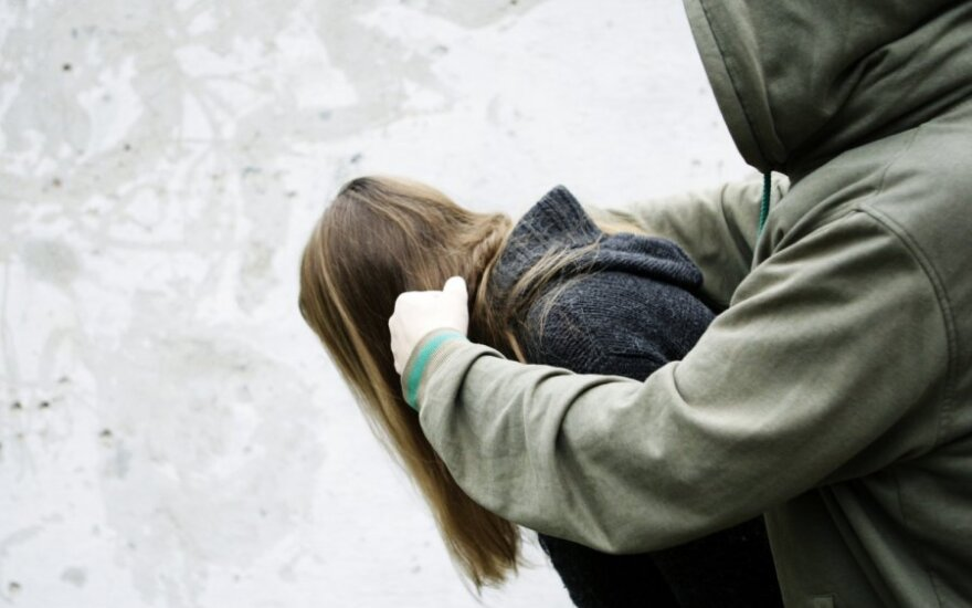 Policija apie smurtą šeimoje: ginsime ne tik moteris