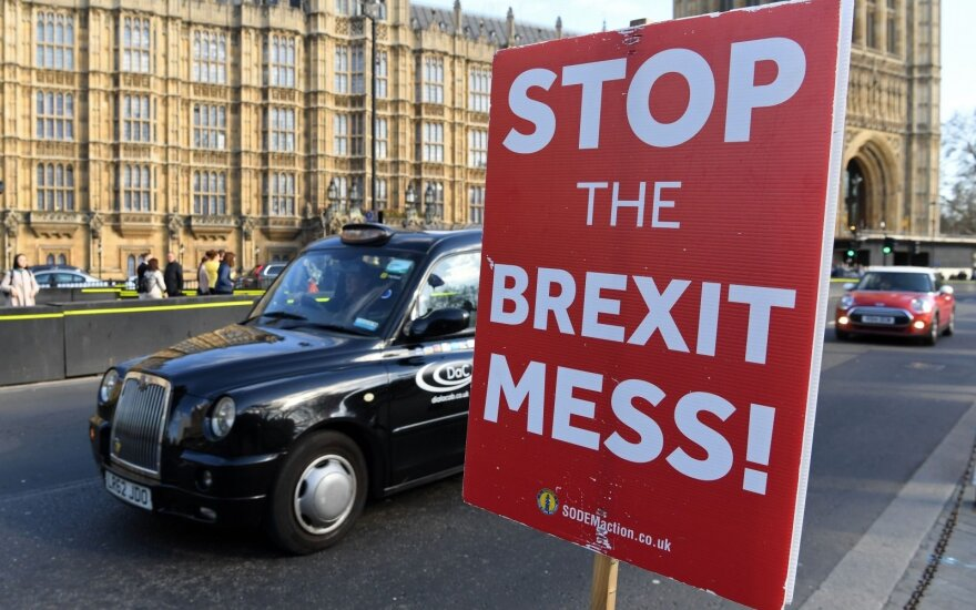 """Brexit"" drama: parlamentas perima proceso kontrolę, o kas toliau?"