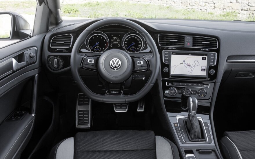 """""""Volkswagen"""" atšaukia per 90 tūkst. automobilių iš Australijos"""