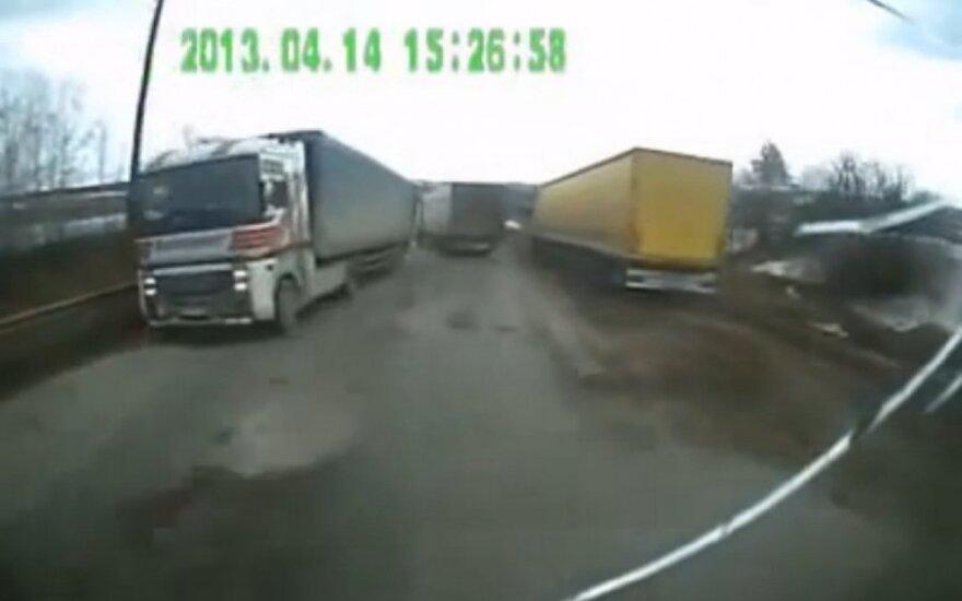 Dingę sunkvežimio stabdžiai