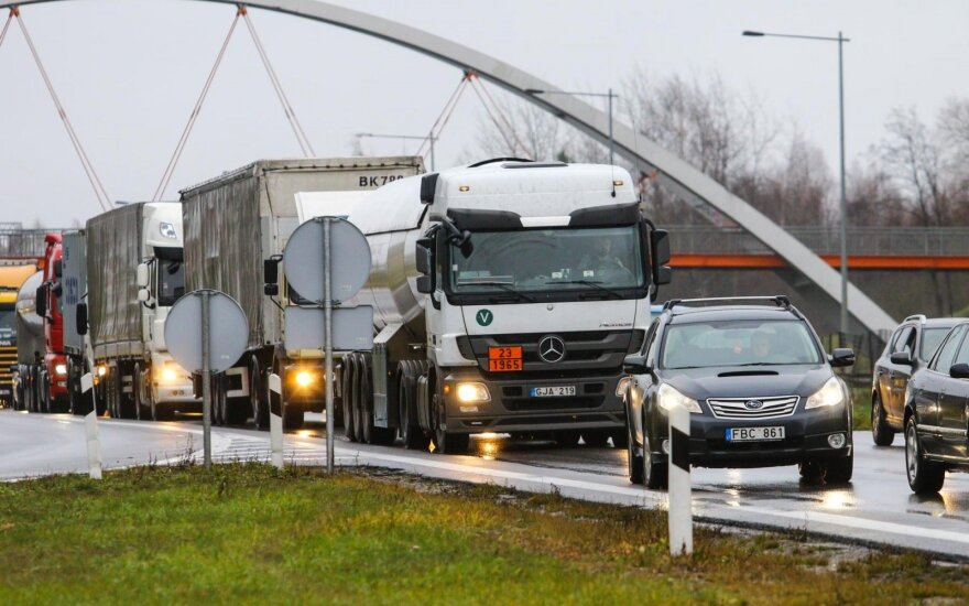 Lithuanian truckers hit by losses from illegal migrants