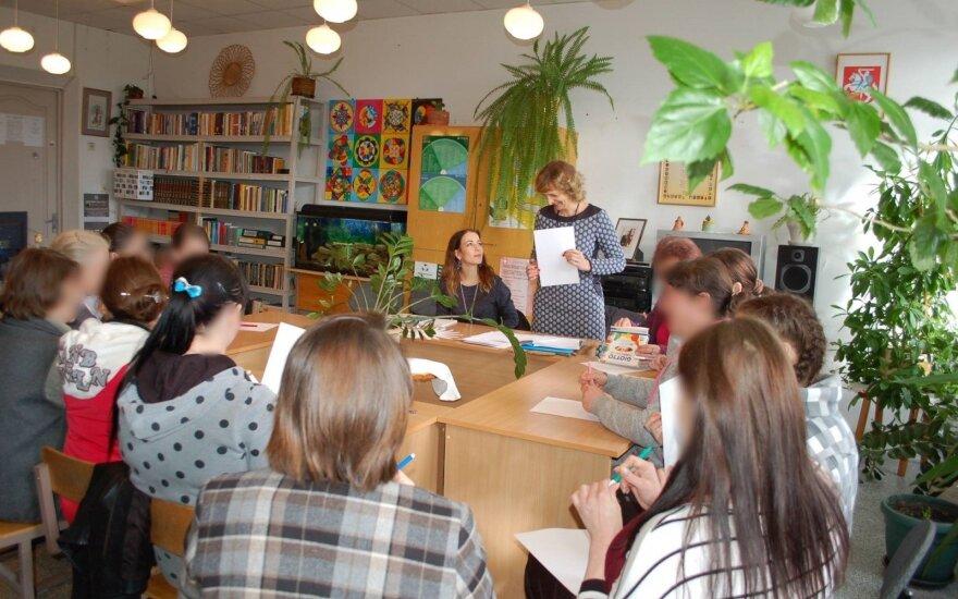 Bibliotekos ir pataisos namų partnerystė: nuteistosios skatinamos perskaityti šimtą knygų