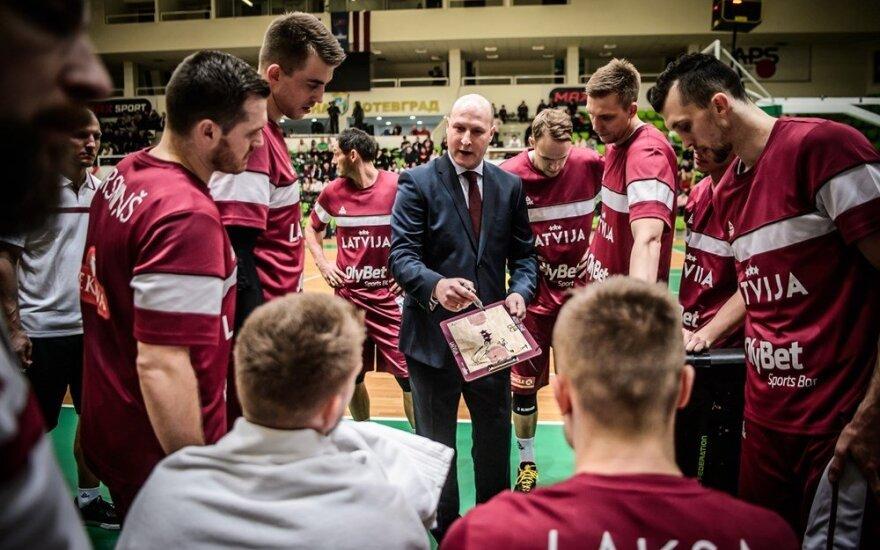 Latviams patyrus dar vieną nesėkmę atsistatydino Štelmaheris