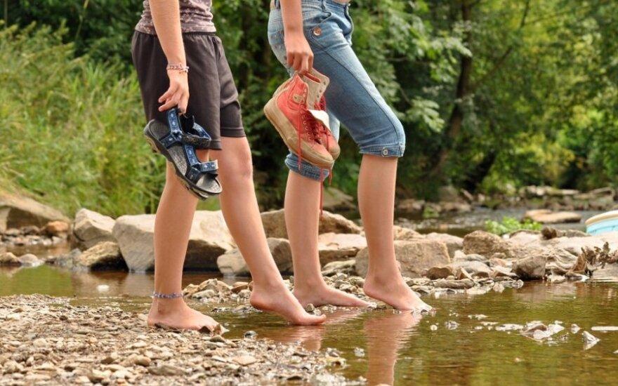 Kai kamuoja pėdų prakaitavimas: kokias ligas gali išduoti