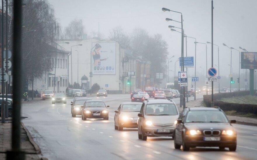 Pietų Lietuvoje eismą sunkina rūkas