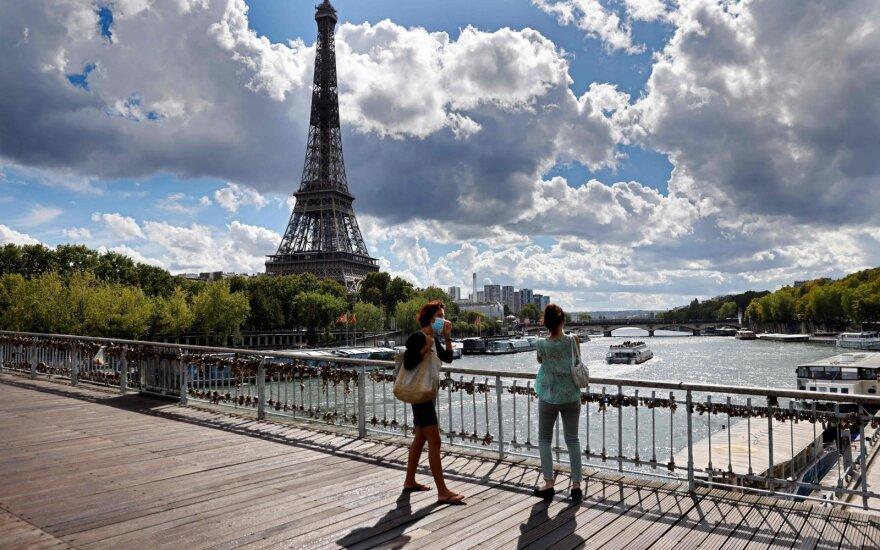 Prancūzijoje – beprecedentis naujų COVID-19 atvejų šuolis: vos per savaitę situacija pasikeitė drastiškai