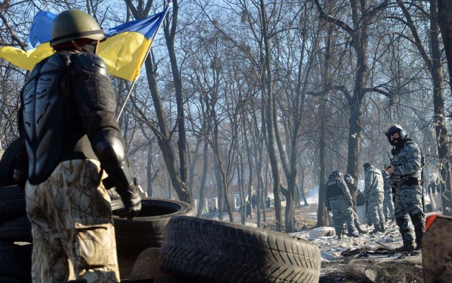 Kijeve per policijos reidą protestuotojų stovykloje sulaikyti per 100 žmonių