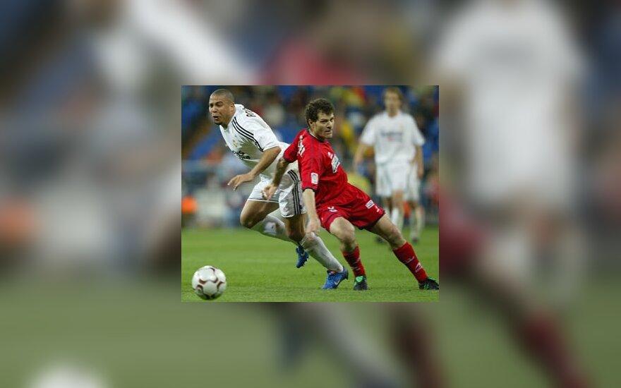"""Ronaldo (""""Real"""") vs. Schurrer (""""Real Sociedad"""")"""