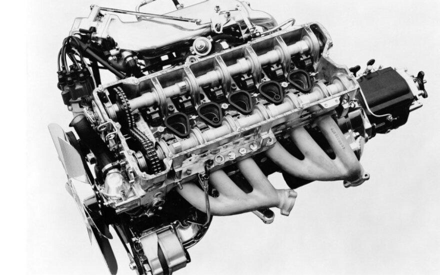 """""""Mercedes"""" gamins šešių cilindrų eilėje motorus"""