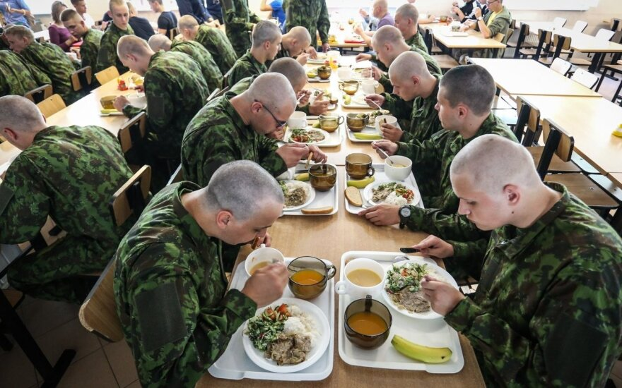 Conscripts having lunch