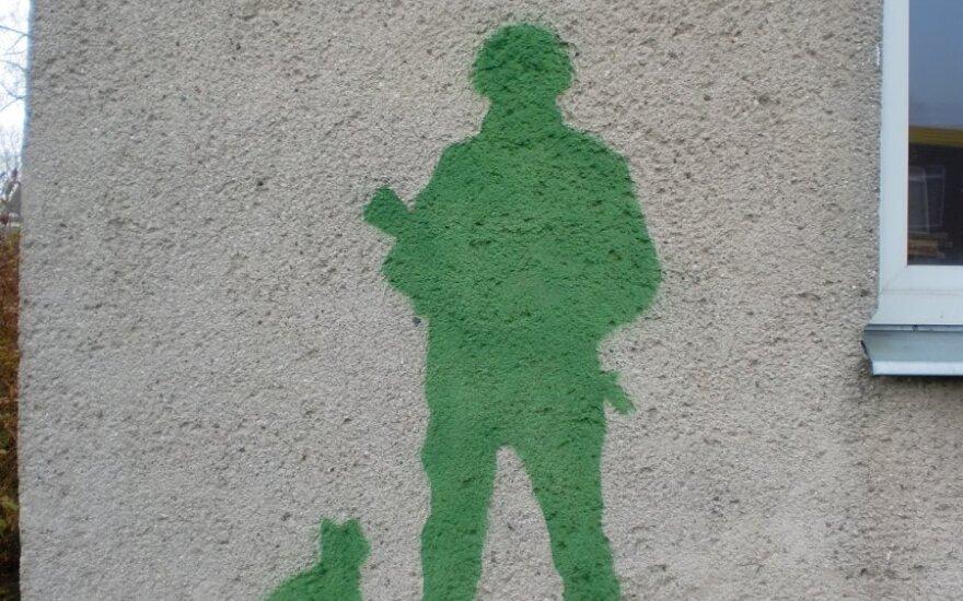 """Sostinėje ant sienos atsirado """"žalias žmogeliukas"""""""