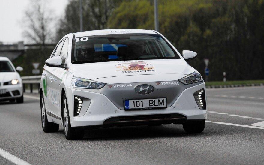 """Šviežiausias lenktynių rekordas priklauso Vaidotui Kvikliui ir Pauliui Sviklui su """"Hyundai Ioniq"""""""