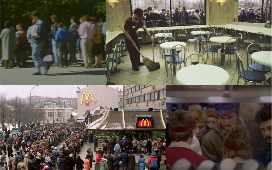 """""""McDonald's"""" atidarymas Maskvoje sukėlė tikrą pamišimą: 30 tūkst. žmonių eilė ir keisti lankytojų įpročiai"""