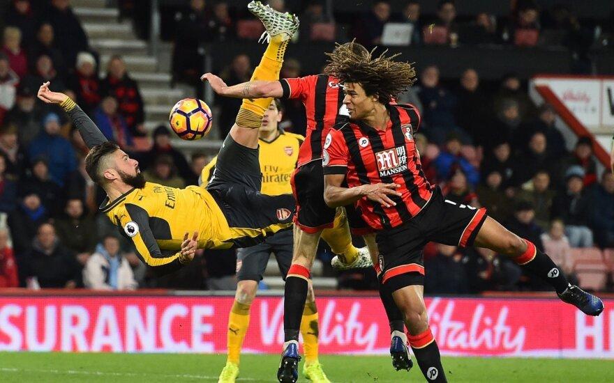 """""""Arsenal"""" atsiliko 0:3, bet O. Giroud išplėšė lygiąsias"""