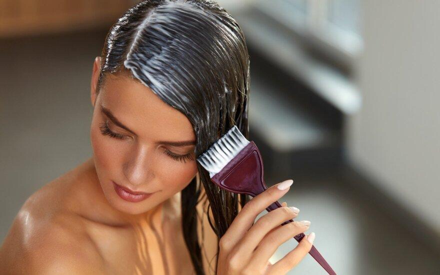 Plaukų spalvą galite pakeisti ir be chemijos: nudažys net žilus plaukus
