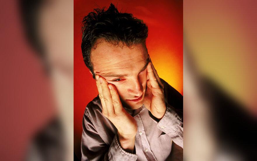 Susirūpinęs vyras, nervai, įtampa, depresija, skausmas, liūdesys